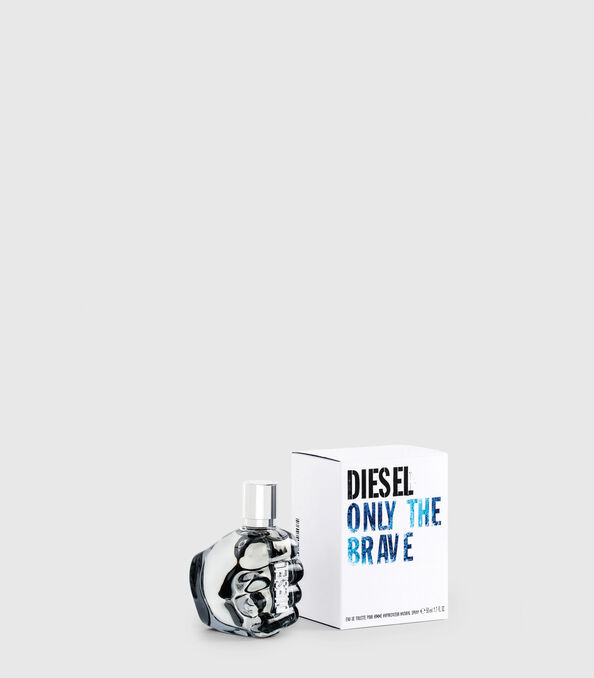 https://ro.diesel.com/dw/image/v2/BBLG_PRD/on/demandware.static/-/Sites-diesel-master-catalog/default/dw2e2f7f23/images/large/PL0123_00PRO_01_O.jpg?sw=594&sh=678