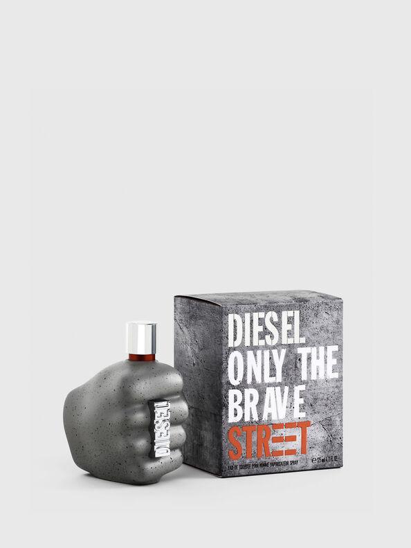 https://ro.diesel.com/dw/image/v2/BBLG_PRD/on/demandware.static/-/Sites-diesel-master-catalog/default/dw9c0c42ed/images/large/PL0458_00PRO_01_O.jpg?sw=594&sh=792