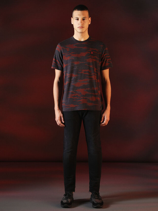 Diesel - DVL-TSHIRT-CAMU-SPECIAL COLLECTION, Red/Black - T-Shirts - Image 3