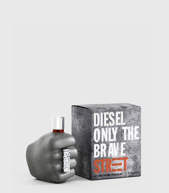 https://ro.diesel.com/dw/image/v2/BBLG_PRD/on/demandware.static/-/Sites-diesel-master-catalog/default/dwd6618be9/images/large/PL0458_00PRO_01_O.jpg?sw=594&sh=678